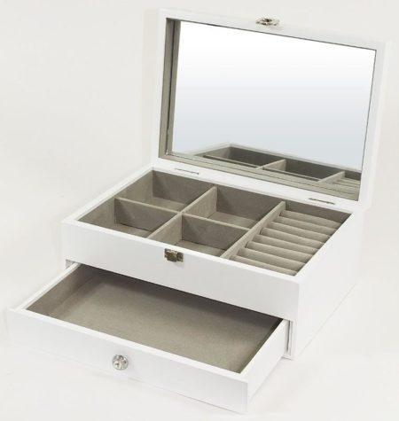 szkatułka nabiżuterie zlusterkiem
