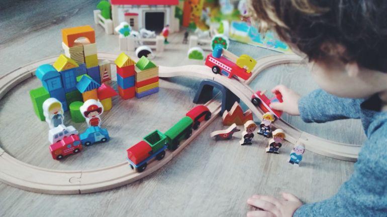 Read more about the article Drewniane zabawki- dlaczego mają taką moc?!
