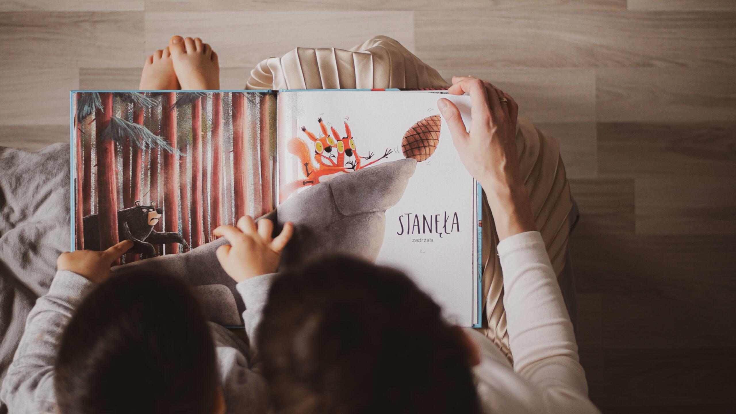 Read more about the article 16 książek dla dzieci oemocjach!