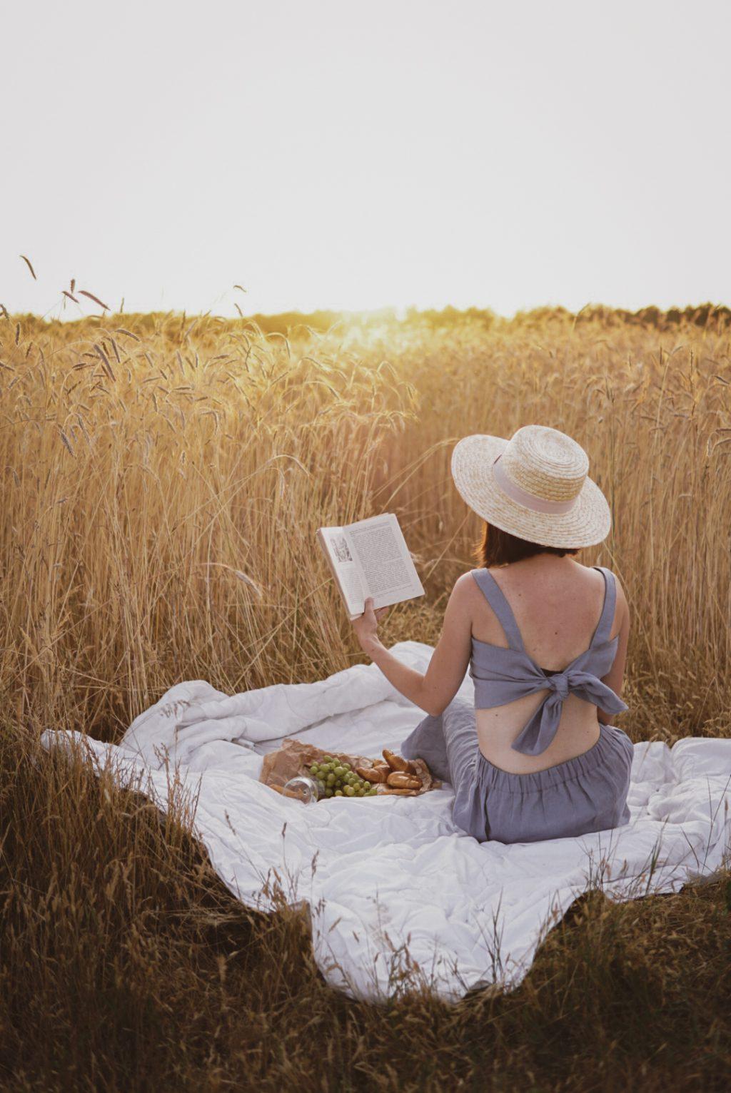 piknik przy zachodzie słońca